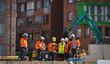 Betonirunkojen asennukset lähes valmiit Espoon Reviisorissa