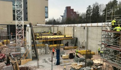 Seinät nousevat hotellityömaalle – pian ensimmäiset seinät näkyvät jo Mannerheimintielle